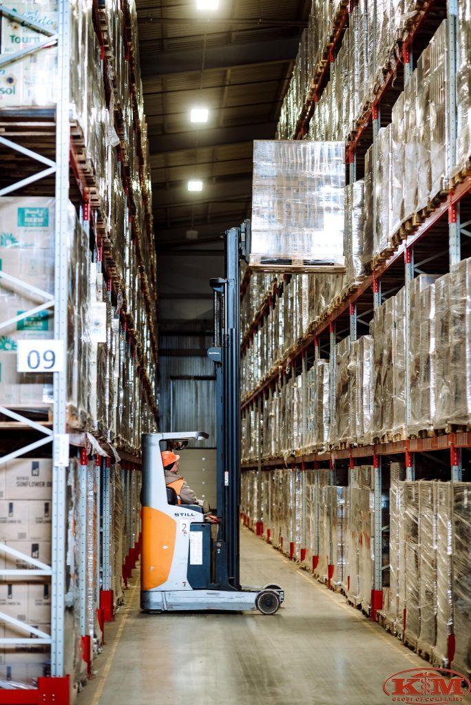"""Погрузка товаров клиентов для хранения на складе класса """"А"""" в Полтаве"""